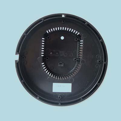 Capot en ABS/PC pour appareils de signalisation ferroviaire.